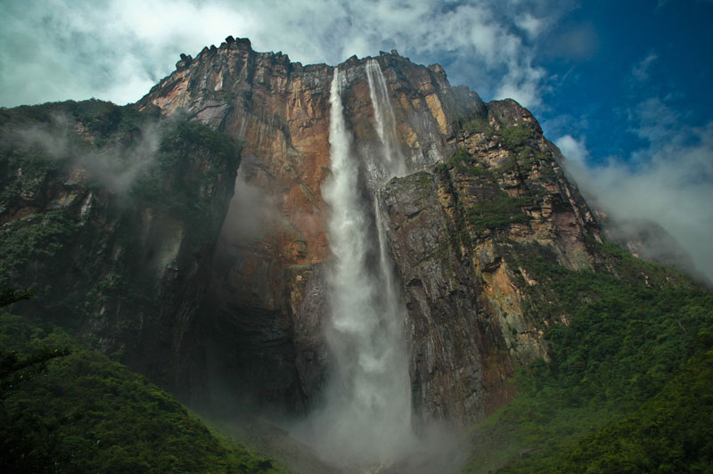 angel-falls-from-below