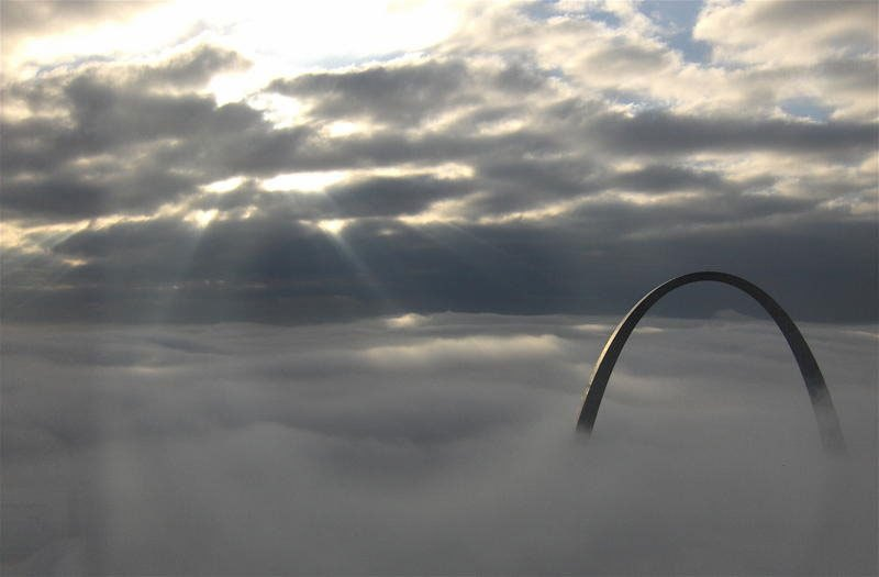 gateway-arch-st-louis-above-the-clouds-portal