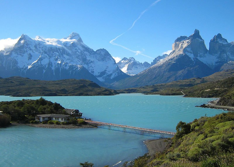 house-building-on-island-mountains-in-background-torres-del-paine-national-park-chile
