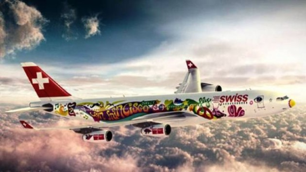 painted_airplanes_add_a_splash_of_color_to_the_sky_640_10-630x354