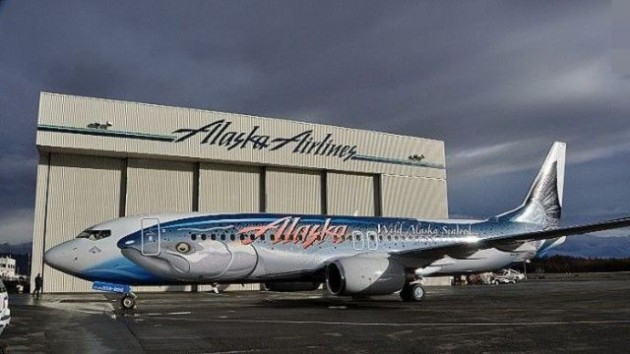 painted_airplanes_add_a_splash_of_color_to_the_sky_640_32-630x354