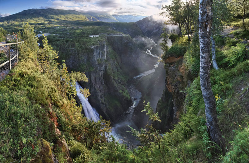 voringsfossen-waterfall-mabodalen-norway