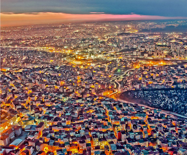 15-Amazing-Cities-Around-The-World-Viewed-From-High-Above-13