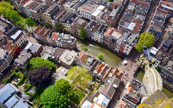 15-Amazing-Cities-Around-The-World-Viewed-From-High-Above-15