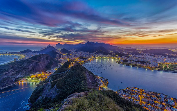 15-Amazing-Cities-Around-The-World-Viewed-From-High-Above-9