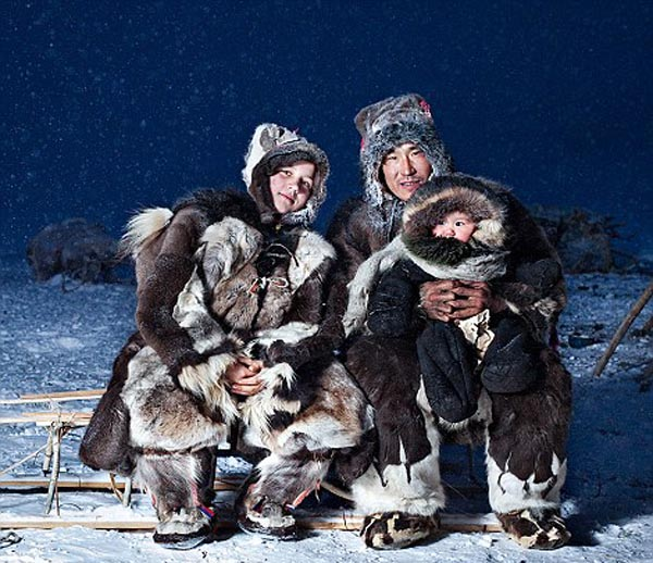 Inuits-From-Chukotka-By-Photographer-Sasha-Leahovcenco-3