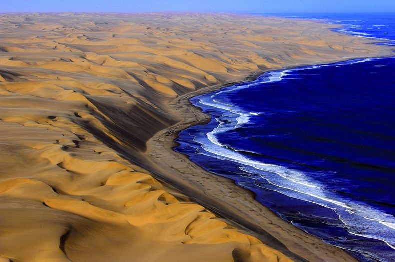 namib-desert-meets-sea-2[2]