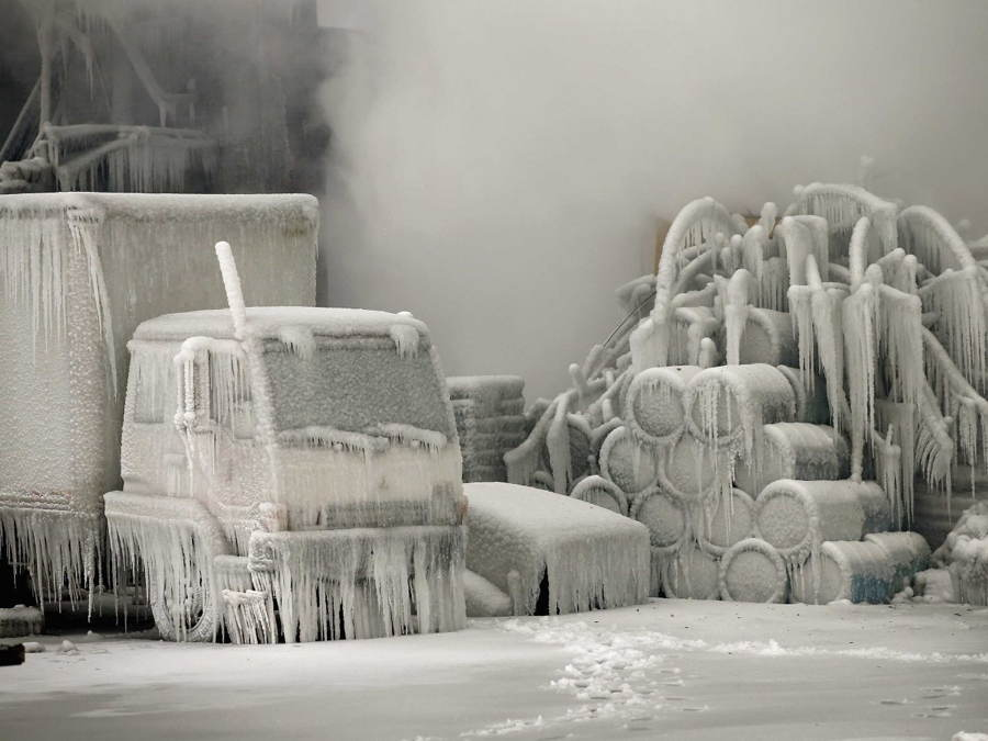 science-photos-chicago-ice-fire