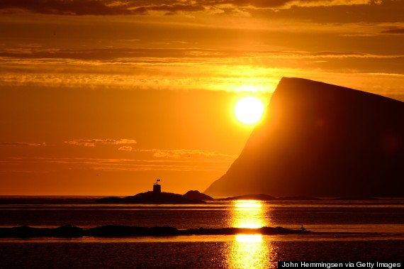 o-MIDNIGHT-SUN-NORWAY-570