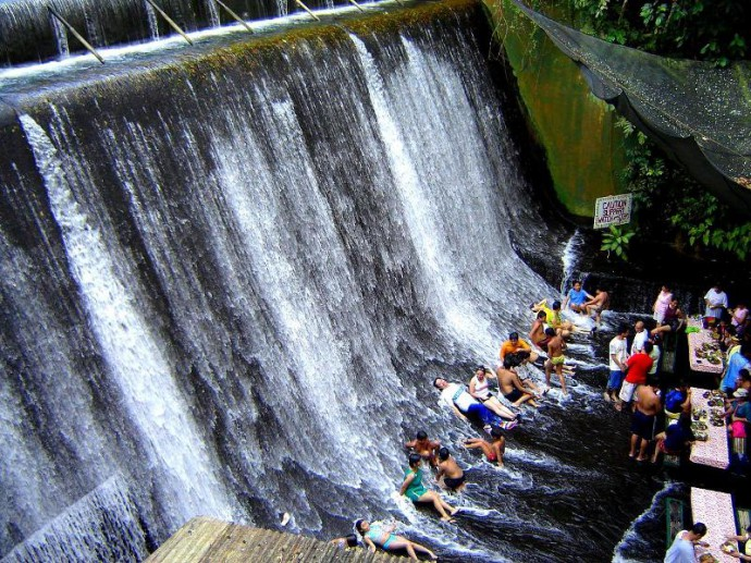 Villa-Escudero-Waterfall-Restaurant