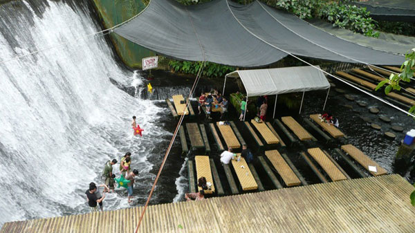 waterfall_restaurant_02