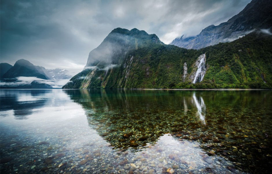 milford-sound-new-zealand-940x622
