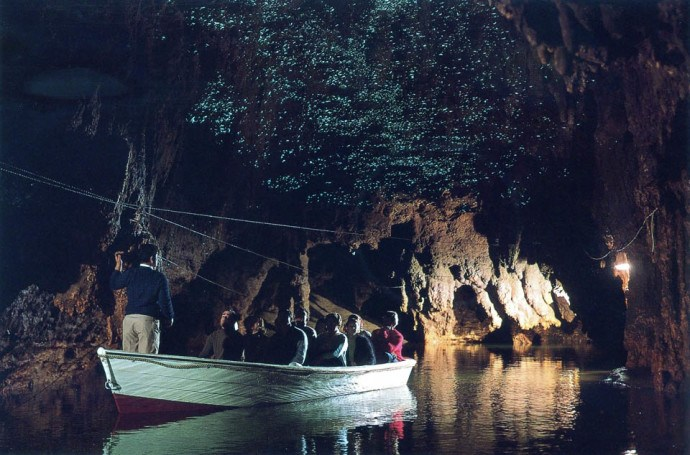 waitomo-glowworm-caves-3