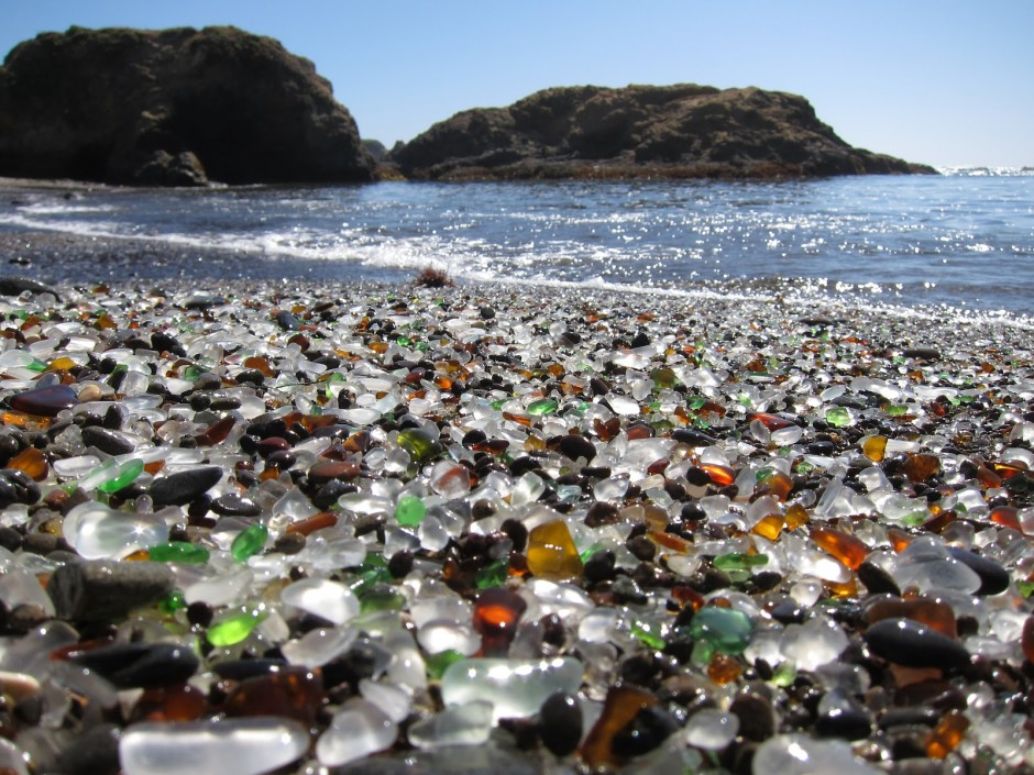 11-glass-beach-california-940x705