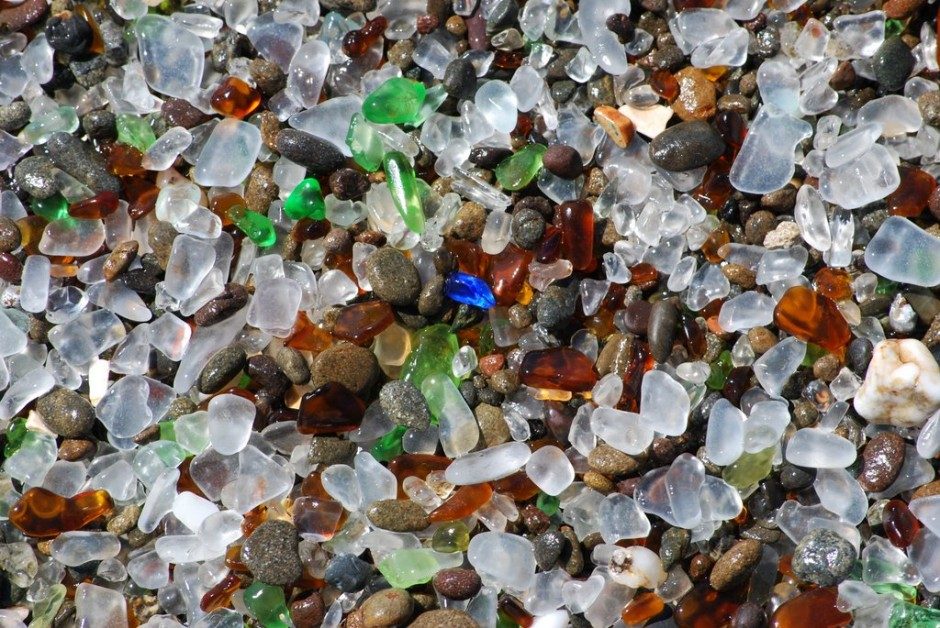 12-glass-beach-california-940x628