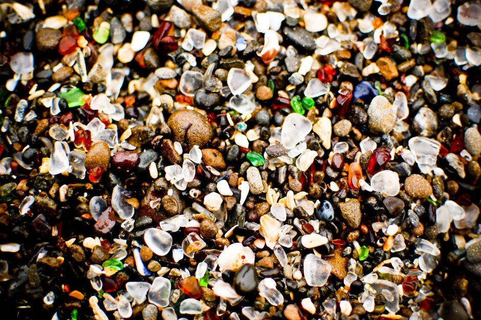 5-glass-beach-california-940x625