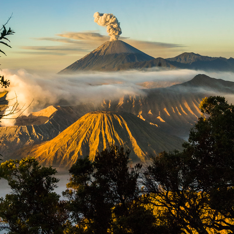 mount-bromo-indonesia-volcano-1