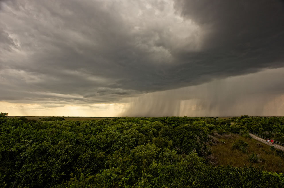 Storm-coming-to-Everglades-National-Park